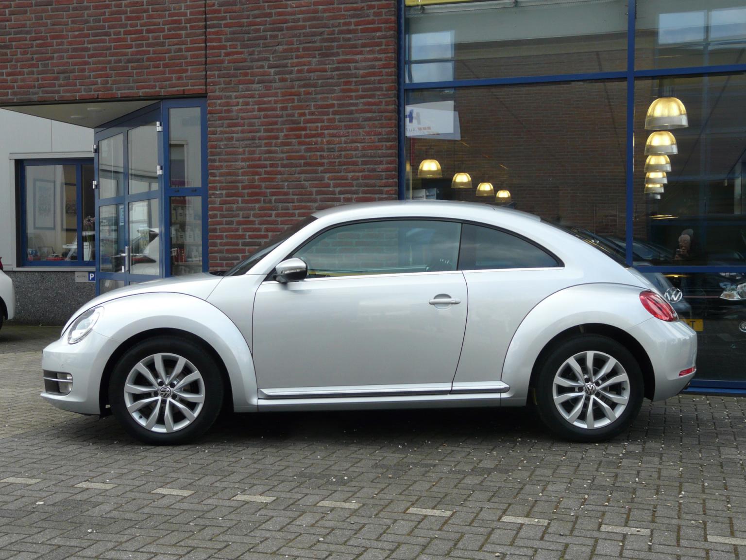 Volkswagen-Beetle-3