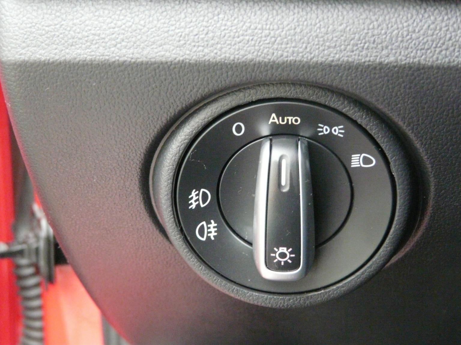 Volkswagen-up!-30