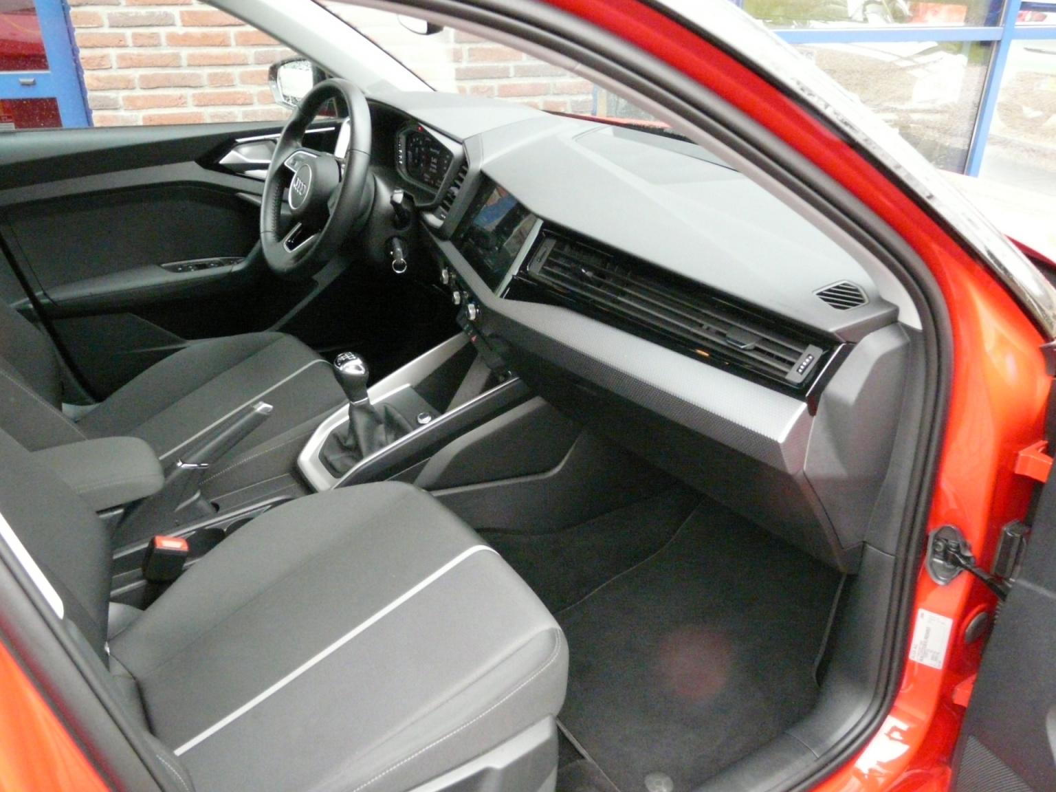 Audi-A1-37