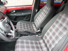Volkswagen-up!-41