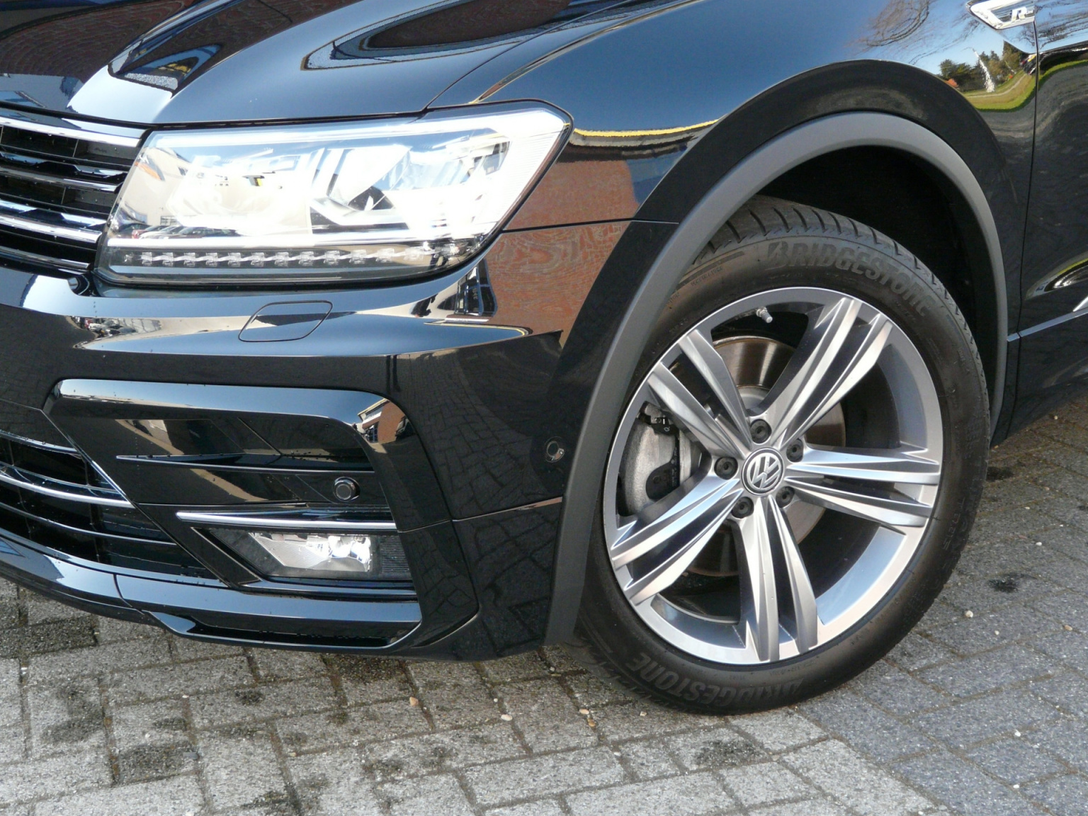 Volkswagen-Tiguan-13