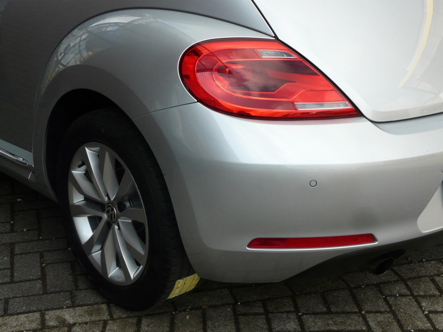 Volkswagen-Beetle-12