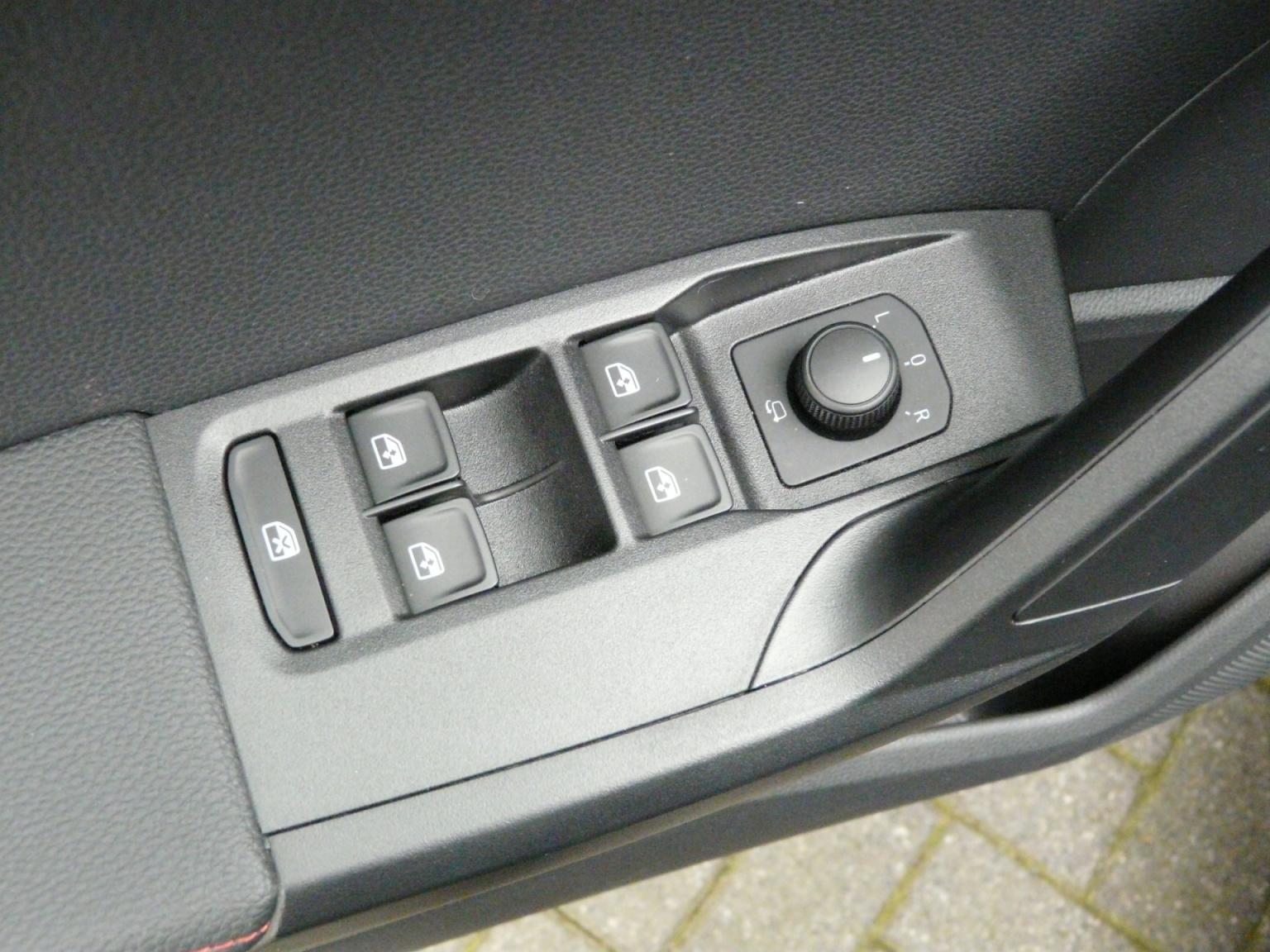 SEAT-Arona-30
