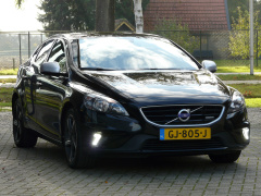 Volvo-V40-2