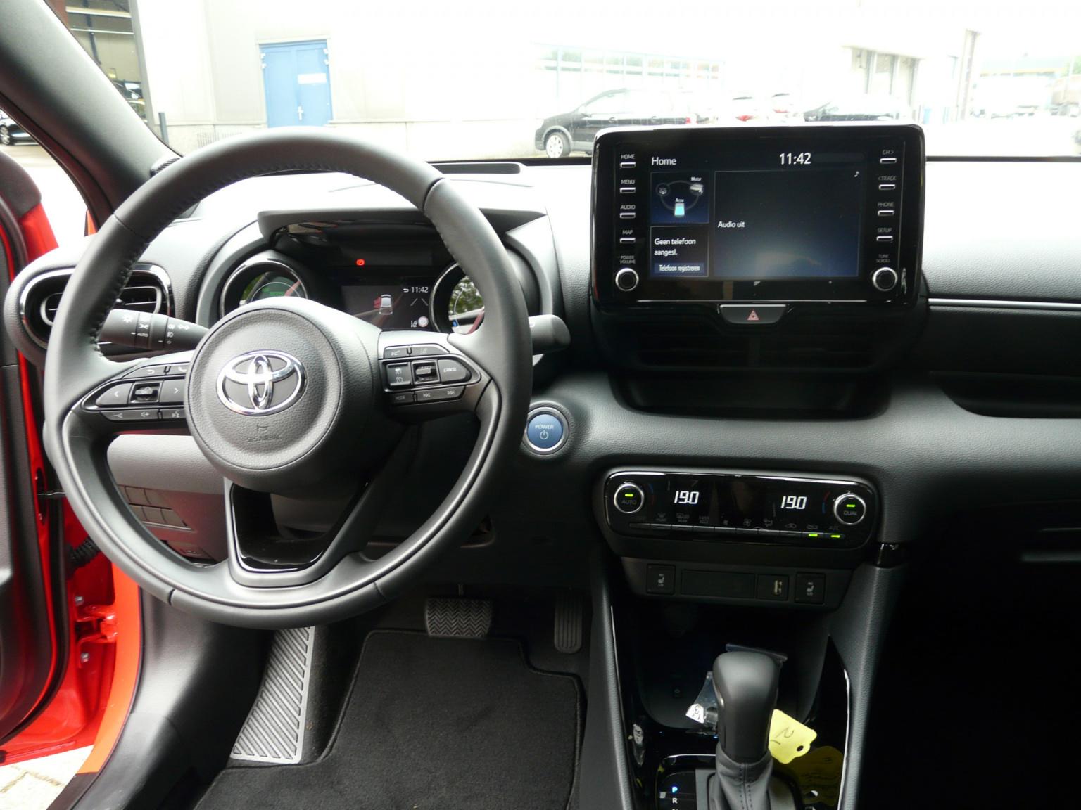 Toyota-Yaris-30