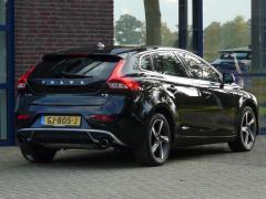 Volvo-V40-3